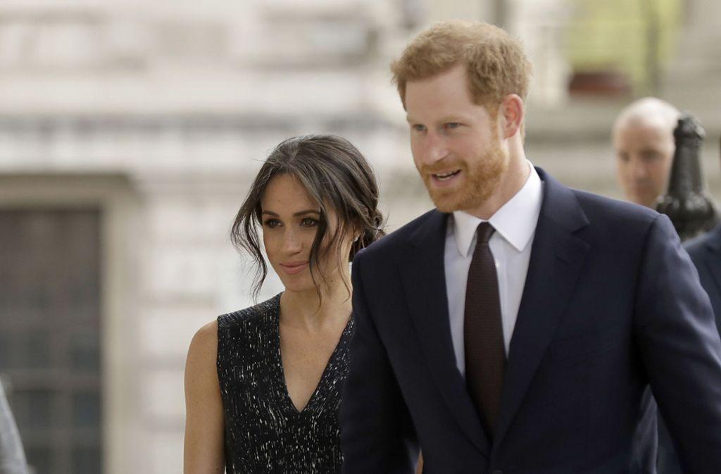 Kurz Vor Der Hochzeit Mit Prinz Harry Meghan Markles Vater Kommt