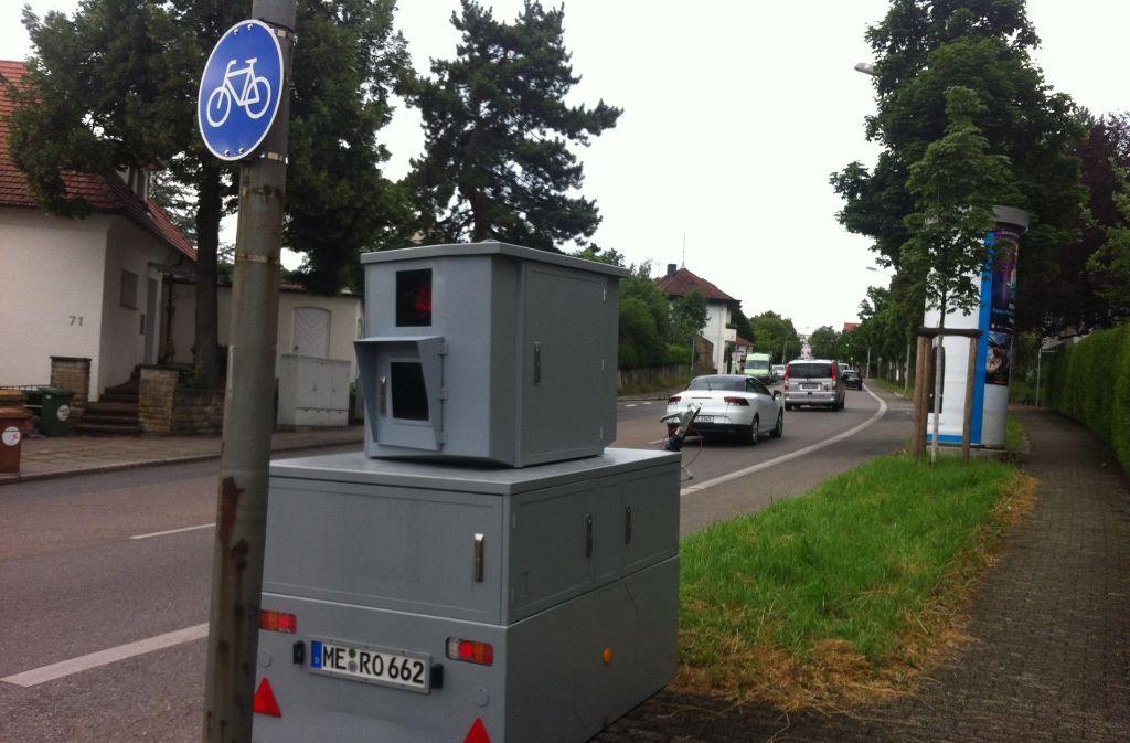 Mobile Blitzer Karte.Radarfallen In Stuttgart Stadt Testet Neues Blitzsystem Im