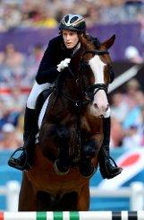 Schöneborn ging mit 59 Sekunden Rückstand in die letzten beiden Disziplinen. Zu viel, um ihren Olympia-Titel von 2008 zu verteidigen. Die letzte Goldmedaille in London holte Laura Asadauskaite aus Litauen. Foto: dpa