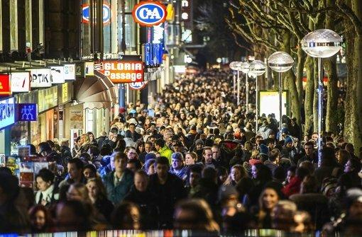 Großer Kaufandrang in der Stadt: Die Einzelhändler berichten von Umsatz- und Besucherrekorden in ihren Häusern. Foto: Achim Zweygarth