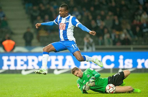 Hannover 96 gewinnt 2:0 in Berlin
