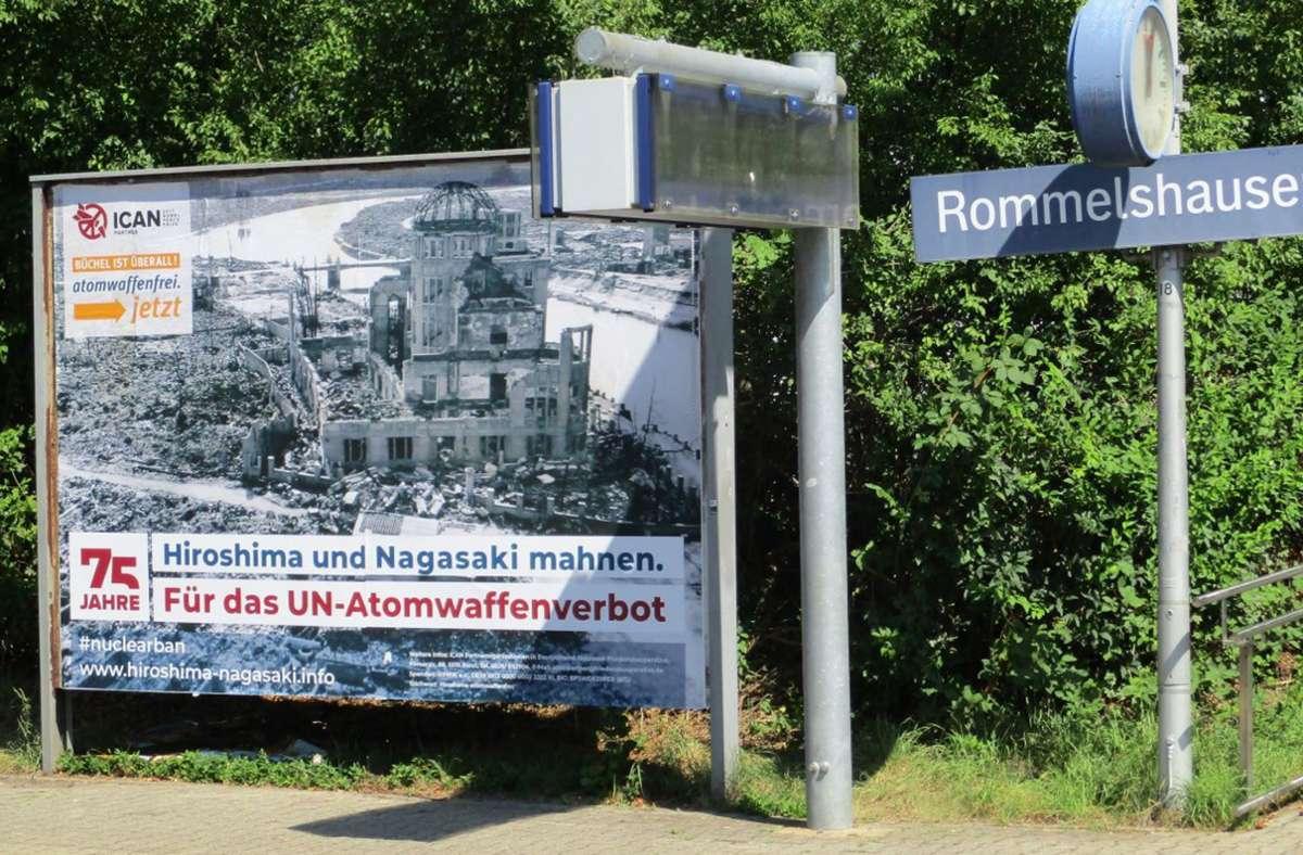 Aktion der Allmende Stetten: Plakate für ein Atomwaffenverbot