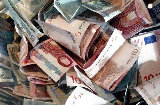 Rentnerin um 100000 Euro betrogen