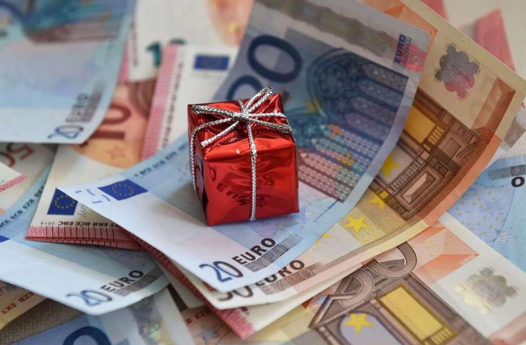 Weihnachtsgeld Nach Branchen Das Zahlen Daimler Bosch Mahle Und