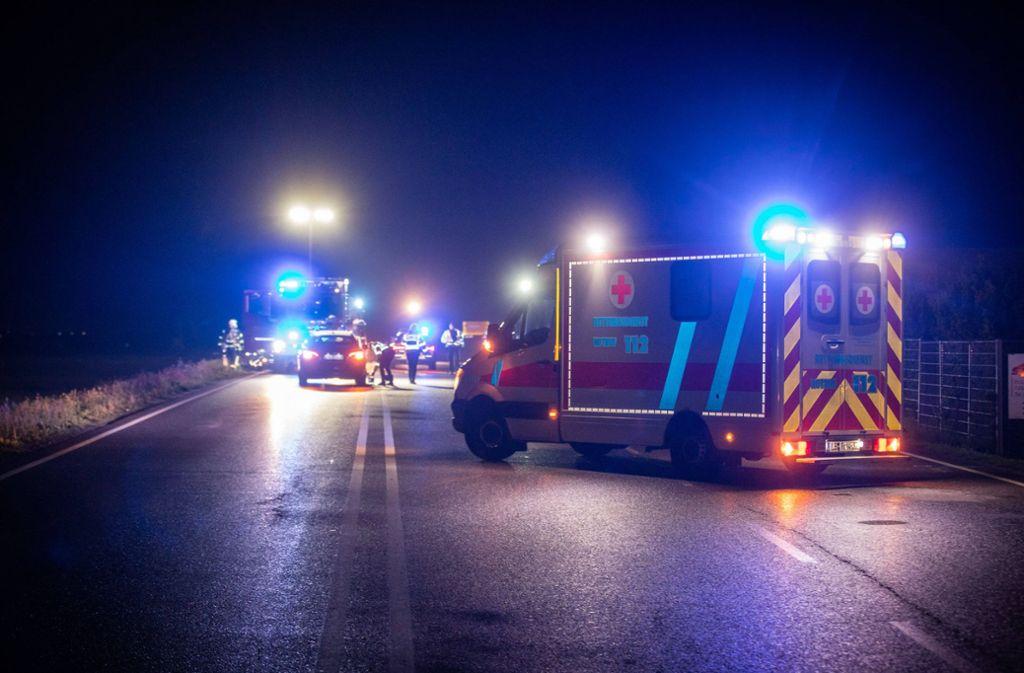 Fussganger Tot Todlicher Unfall Bei Sachsenheim Fahrer Fluchtig Landkreis Ludwigsburg Stuttgarter Zeitung