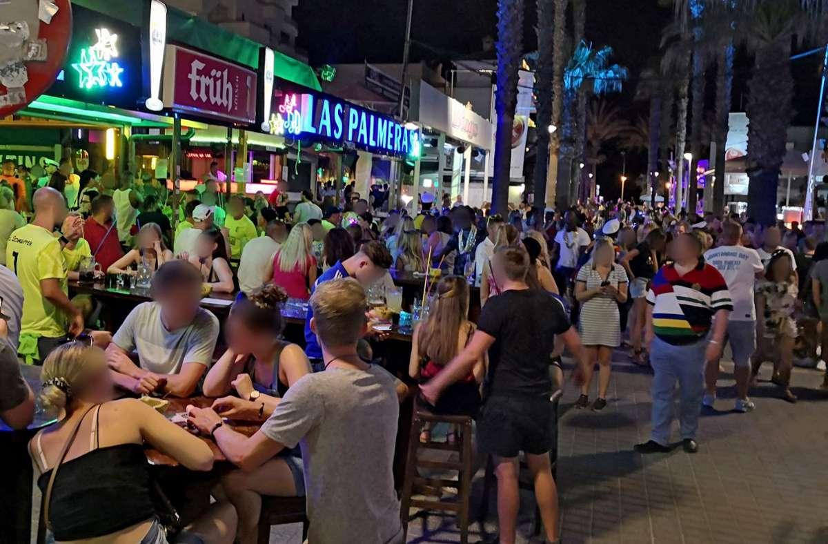 Corona-Pandemie: Ballermann-Party ohne Schutzmaßnahmen schockiert Mallorca