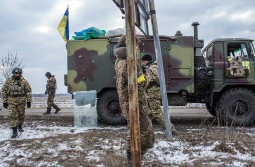Ukrainisches Militär will Waffen abziehen