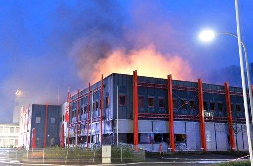 Großfeuer bei Würth in Niedernhall