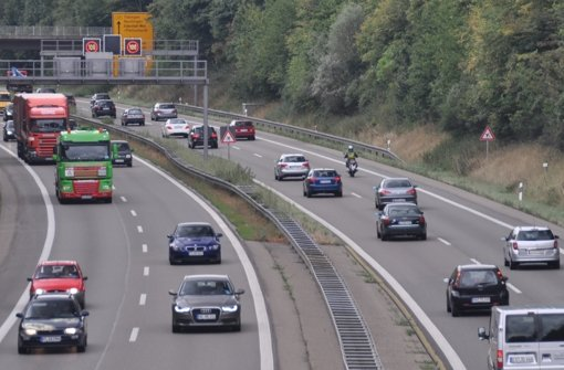 Werden Lastwagen vom Neckar auf die Filder verdrängt? Foto: Norbert J. Leven