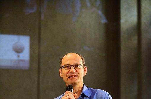 Valentin Thurn prangert  Nahrungsmittelverschwendung Foto: Achim Zweygarth