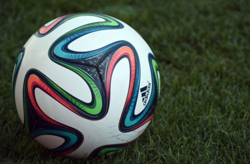 Duell der Sportartikelhersteller: Wenn der WM Ball twittert