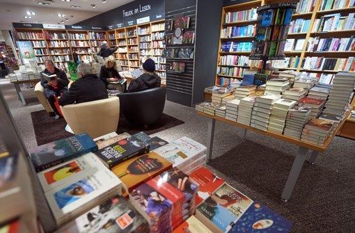 Der Buchhandel hat 2012 sinkende Umsätze verzeichnet – Osiander trotzt dem Trend. Foto: dpa