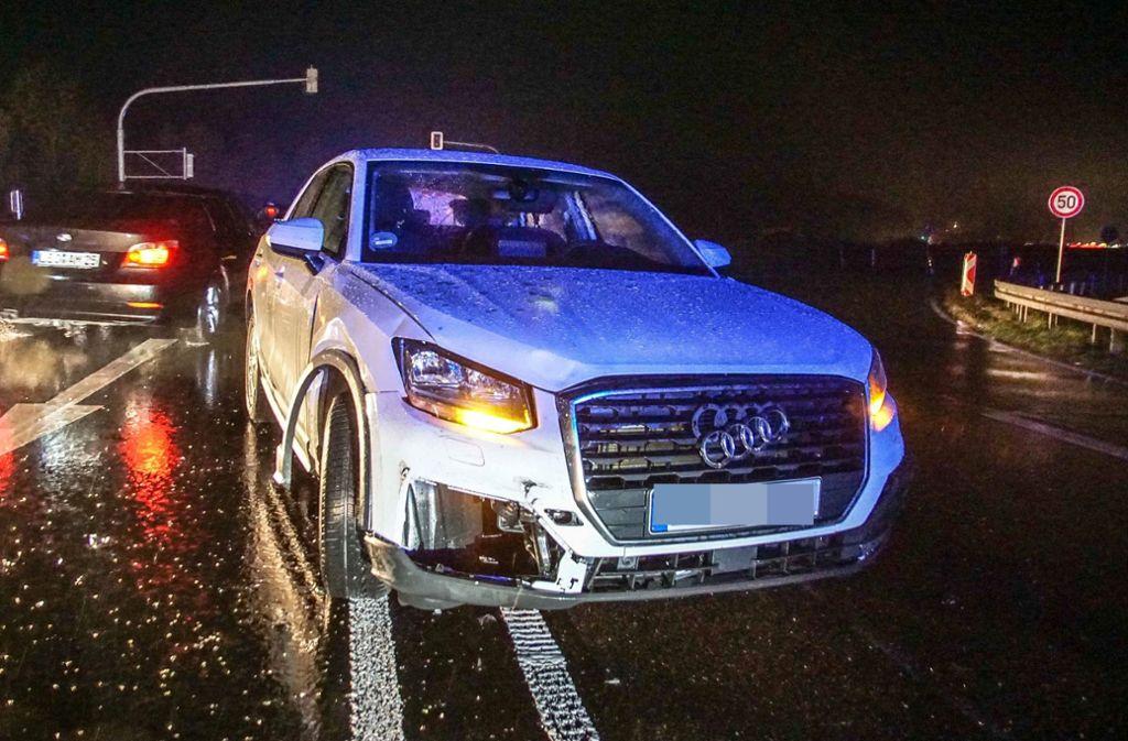 Unfall bei Renningen - Durchgezogene Linie überfahren - drei Menschen verletzt - Stuttgarter Zeitung