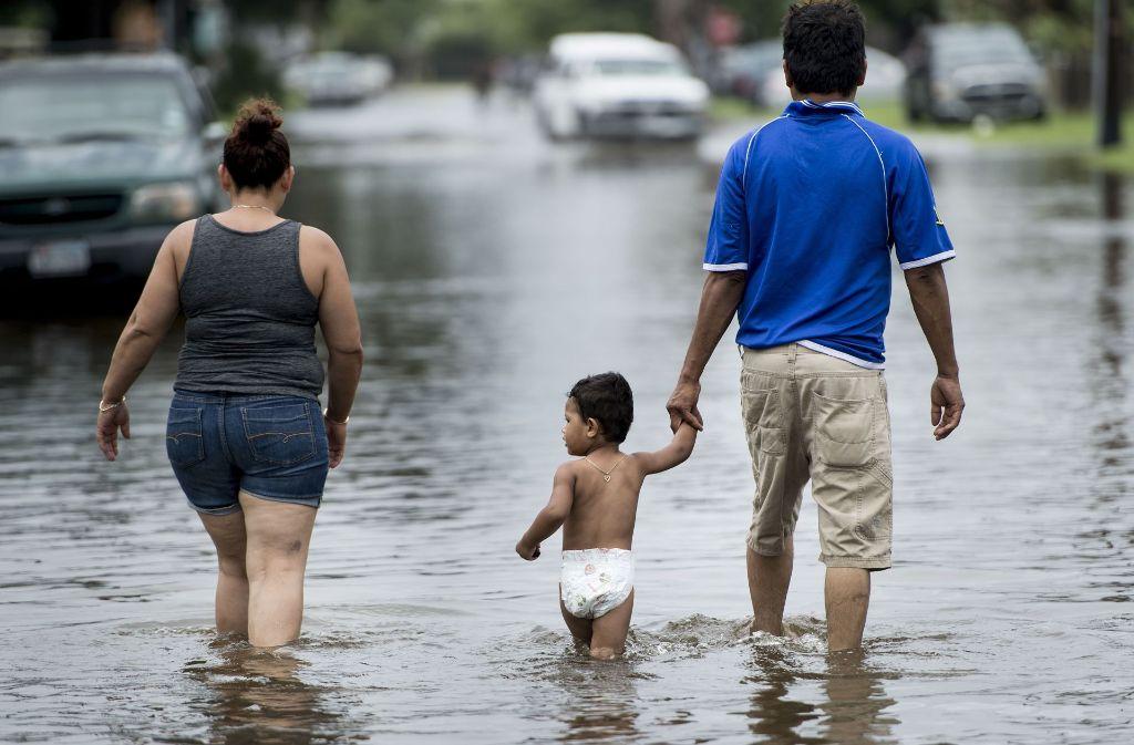 "Hurrikan ""Harvey"": Land unter in Texas nach dem Sturm - Panorama ..."