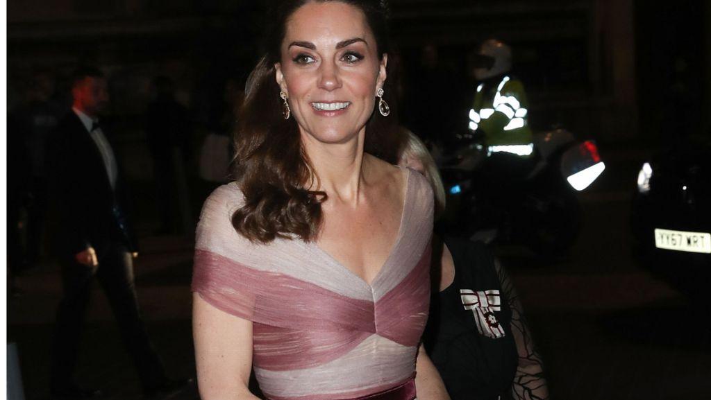 8435d5d6d5526a Herzogin Kate: Knallerauftritt in Rosé – aber warum ausgerechnet Gucci? -  Panorama - Stuttgarter Zeitung