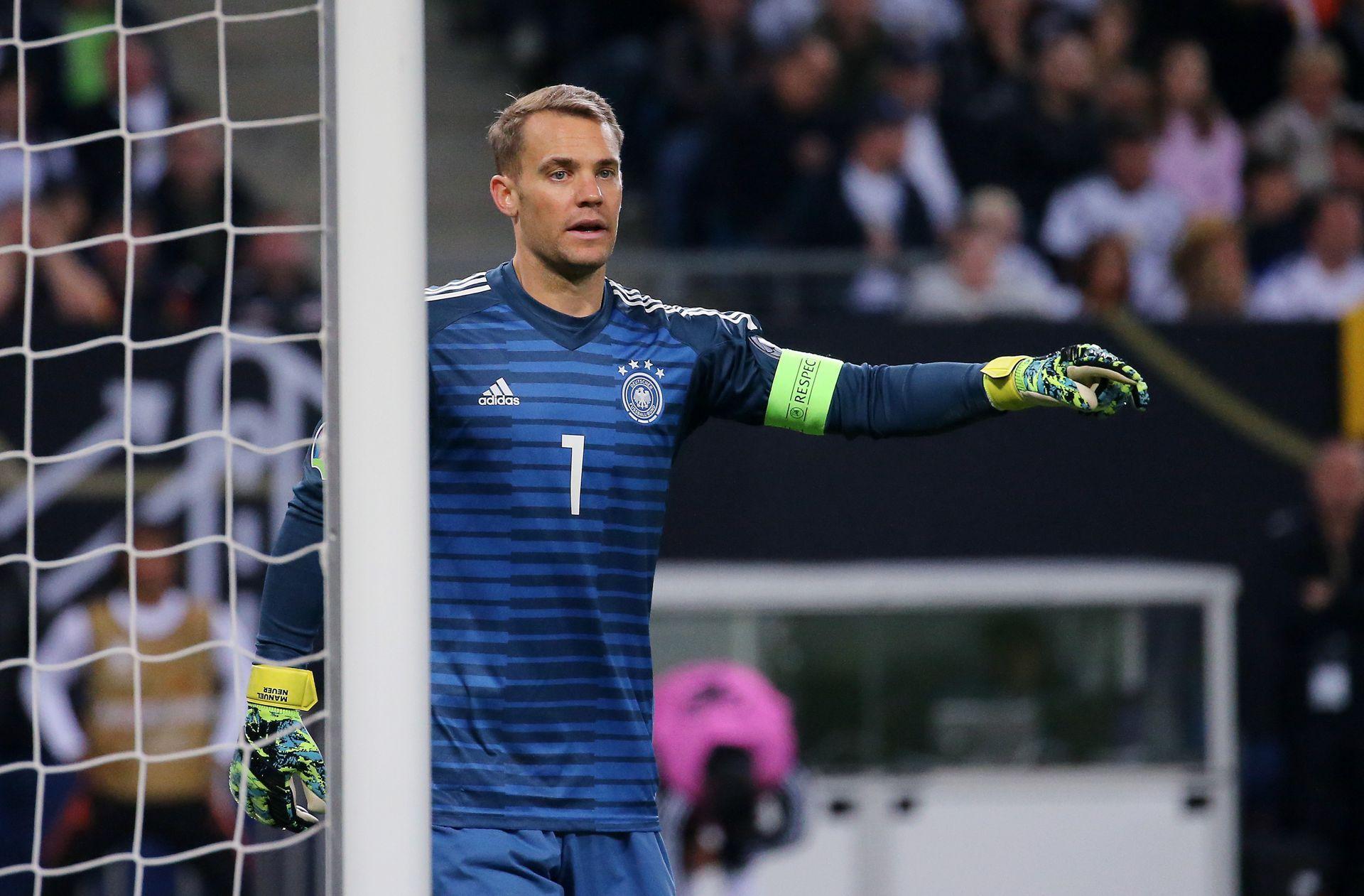 Manuel Neuer trägt falsche Schuhe: Bayern Torwart hat Ärger