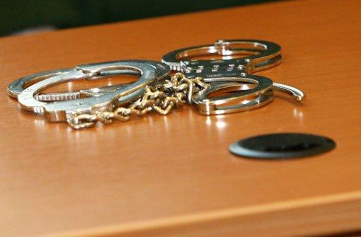 20.12: Polizei nimmt Messerstecher fest