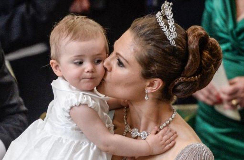 Hochzeit in Schweden: Estelle stiehlt Tante Madeleine die Show ...