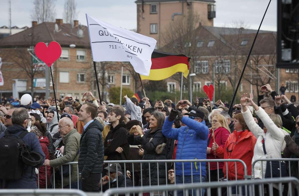Polizeieinsatz bei Demo in Stuttgart: Polizei: Es sollte kein zweites Kassel geben