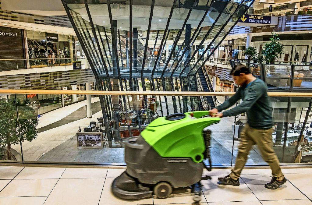 Die Stadt Erwacht Das Milaneo In Den Schaltzentralen Sind Die
