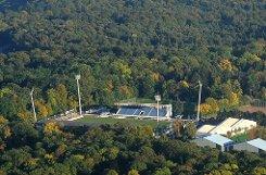 Die Stadt muss ins Stadion auf der Waldau investieren. Foto: Kuhn