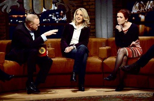Stefan Raab mit Linda Teuteberg und Katja Dörner (von links) Foto: Pro Sieben