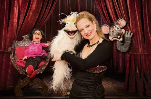 Mit Bauchgesängen und anderen Ungereimtheiten macht Murzarellas Puppen-Show Station in Balingen