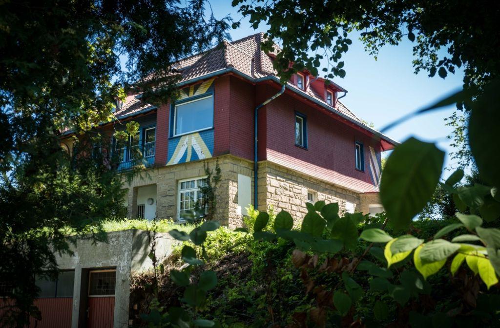K nstler villa in stuttgart hajek haus d mmert dem for Haus bauen stuttgart
