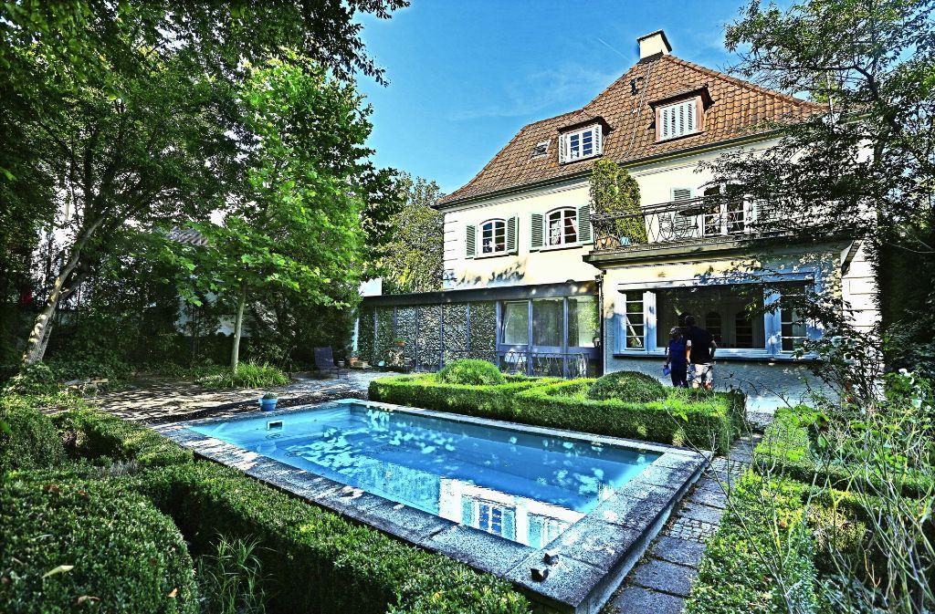 bonatz haus in esslingen eine villa von luxuri ser gro z gigkeit landkreis esslingen. Black Bedroom Furniture Sets. Home Design Ideas