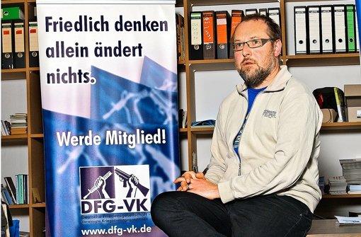 Roland Blach ist von Kopf bis Fuß auf Frieden eingestellt. Foto: Horst Rudel