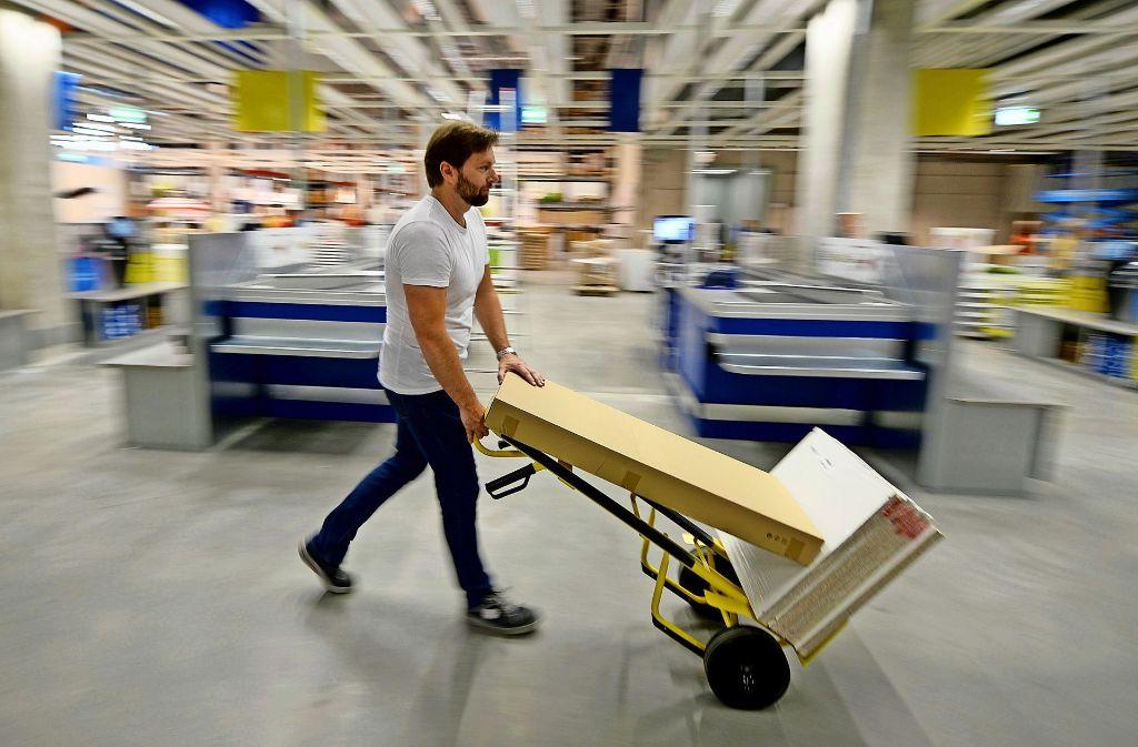 Schwedisches m belhaus ikea gibt hunderten produkten neue - Mobelhaus fellbach ...