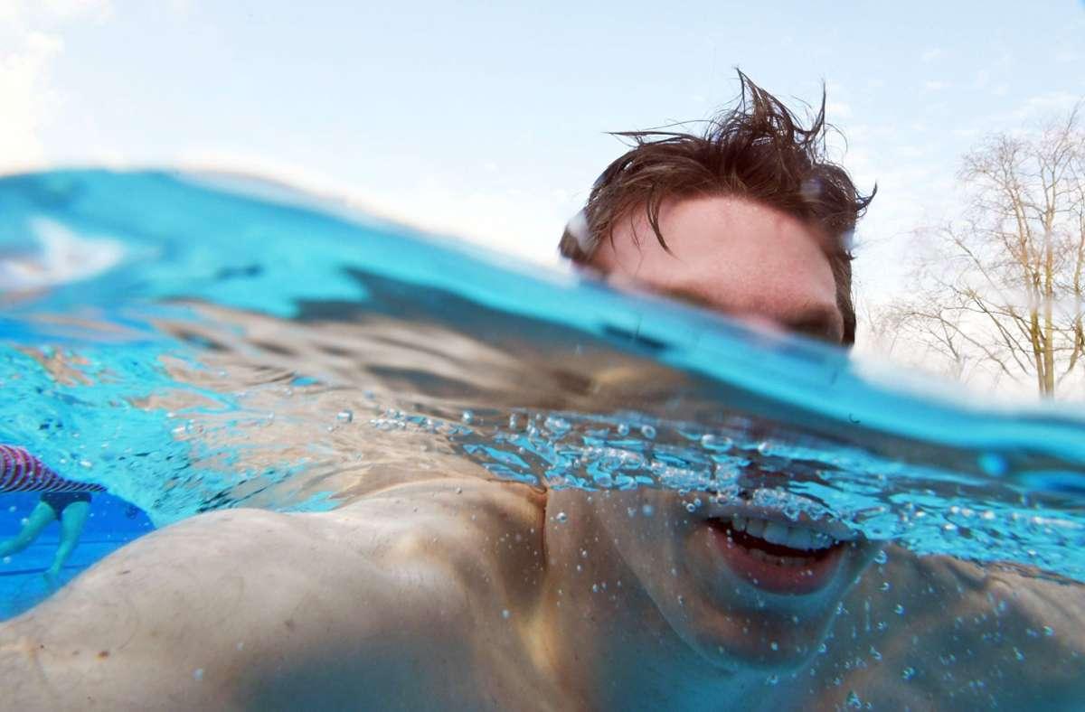 Karlsruhe: Diebe stehlen Swimmingpool aus einem Garten