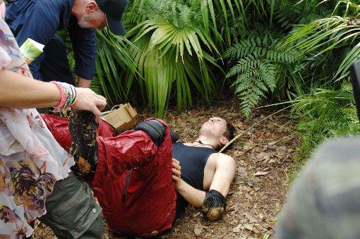 Tag zehn im Dschungelcamp: Joey und die dramatisch Dschungelprüfung. Foto: RTL/Stefan Menne