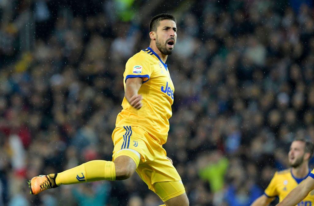 Juventus Siegt In Unterzahl Ex Vfb Profi Sami Khedira Trifft