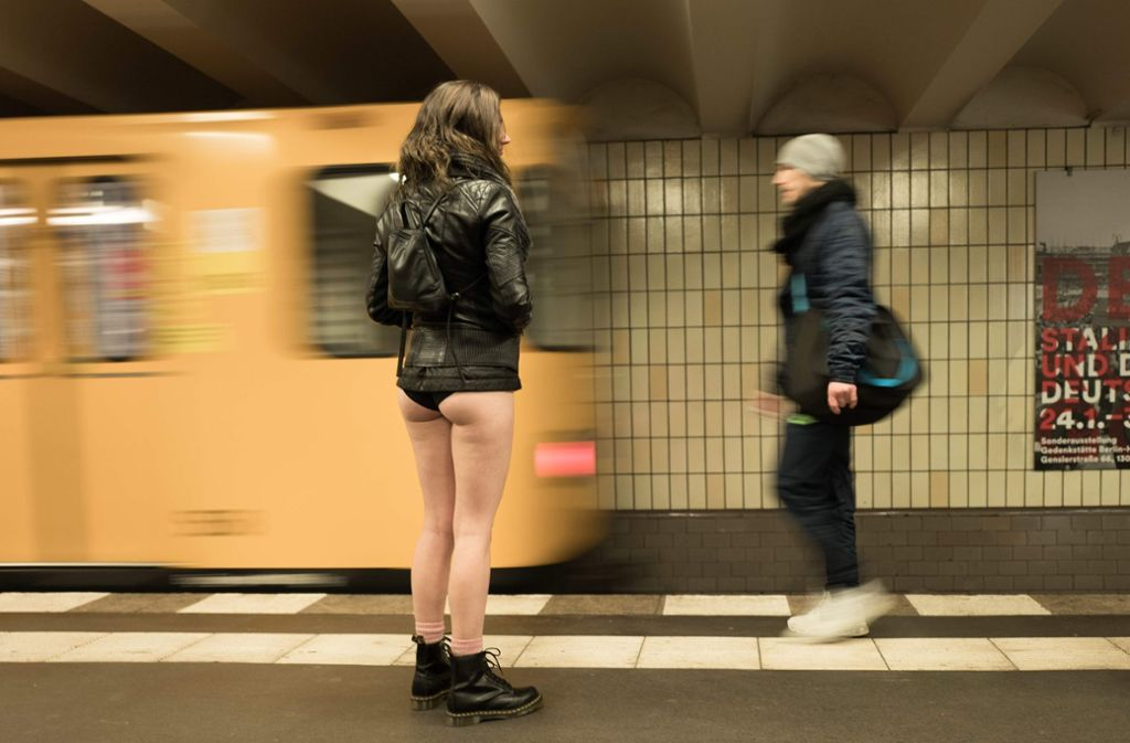 Bahn nackt u berlin Kolumne: Nackt