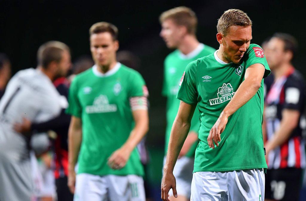 Werder Bremen gegen Eintracht Frankfurt: Herber Rückschlag für Werder – Eintracht fast gerettet