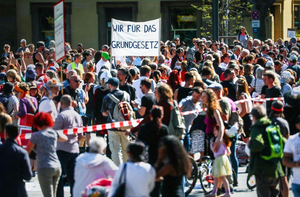 Coronavirus in Stuttgart: Wohin mit der Demo gegen die Corona ...