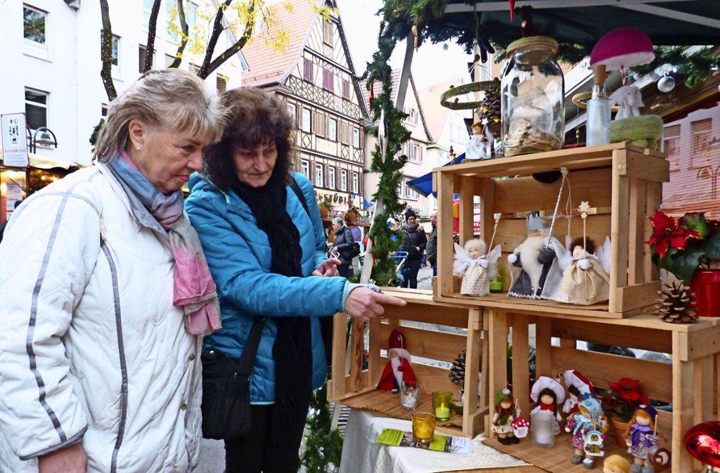 Weihnachtsstimmung in Bad Cannstatt: Nur das Wetter spielt nicht mit ...