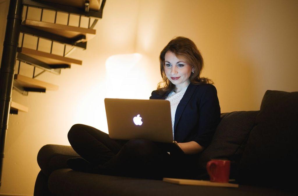 arbeiten im homeoffice so funktioniert s mit der arbeit. Black Bedroom Furniture Sets. Home Design Ideas