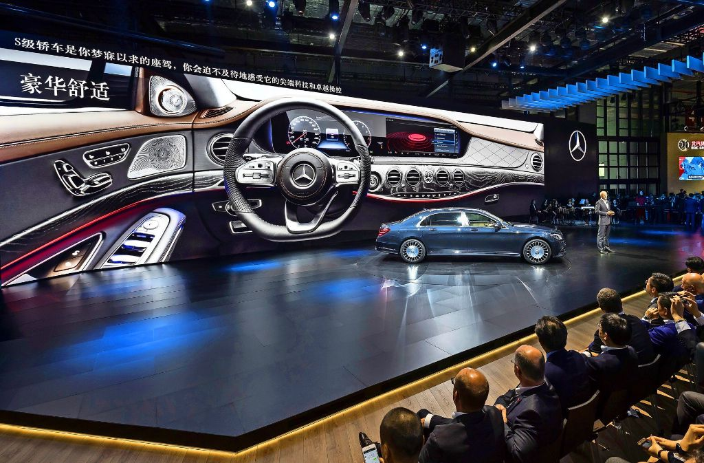 Daimler stellt ein