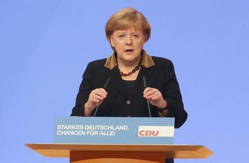 Die CDU hat Bundeskanzlerin Angela Merkel mit ihrem besten Ergebnis zum siebten Mal zur Vorsitzenden gewählt. Die 58-Jährige erhielt am Dienstag nach CDU-Angaben 97,94 Prozent der Stimmen. Foto: dpa