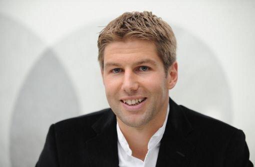 Der frühere deutsche Fußball-Nationalspieler und Ex-VfB-Profi Thomas Hitzlsperger bleibt mindestens bis zum Saisonende beim FC Everton. Foto: dpa