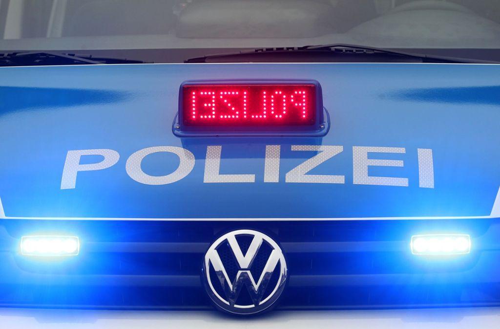 Verkehrsbehinderungen in Esslingen - Mann auf Brücke verursacht Polizeieinsatz - Stuttgarter Zeitung