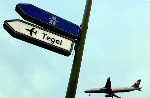 Der alte Flughafen Tegel ist viel länger in Betrieb als geplant. Er soll für bis zu 50 Millionen Euro ertüchtigt werden. Foto: dpa