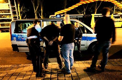 Die Polizei muss immer öfter an die Partymeile  ausrücken Foto: Achim Zweygarth