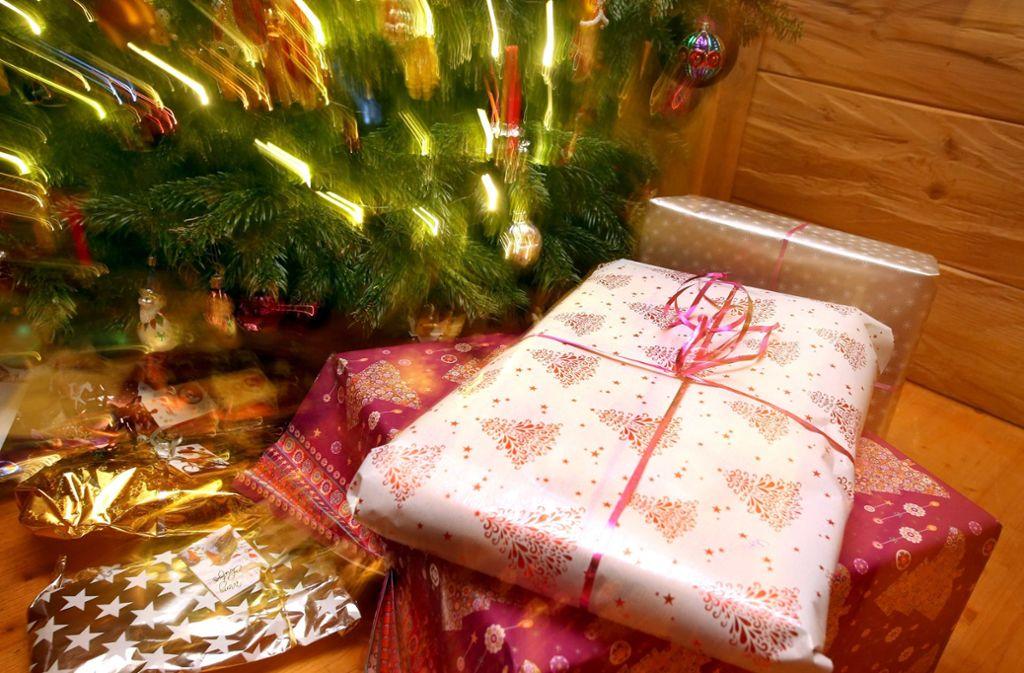 Skurriles zu Weihnachten: Schneiende Weihnachtsbäume und ...