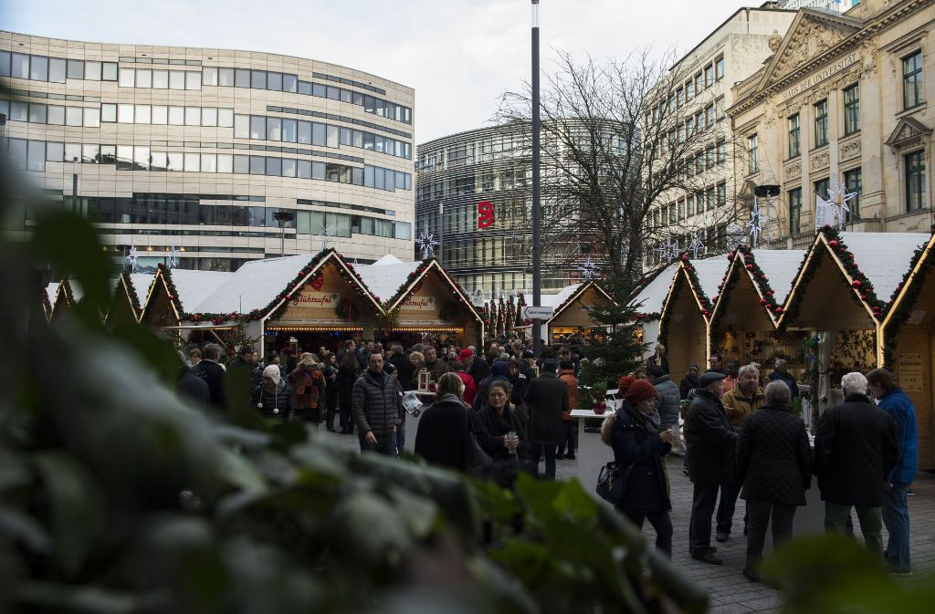 Weihnachtsmarkt Düsseldorf Eröffnung.Weihnachtsmarkt Vor Breuninger Dependance Schwabenhass In