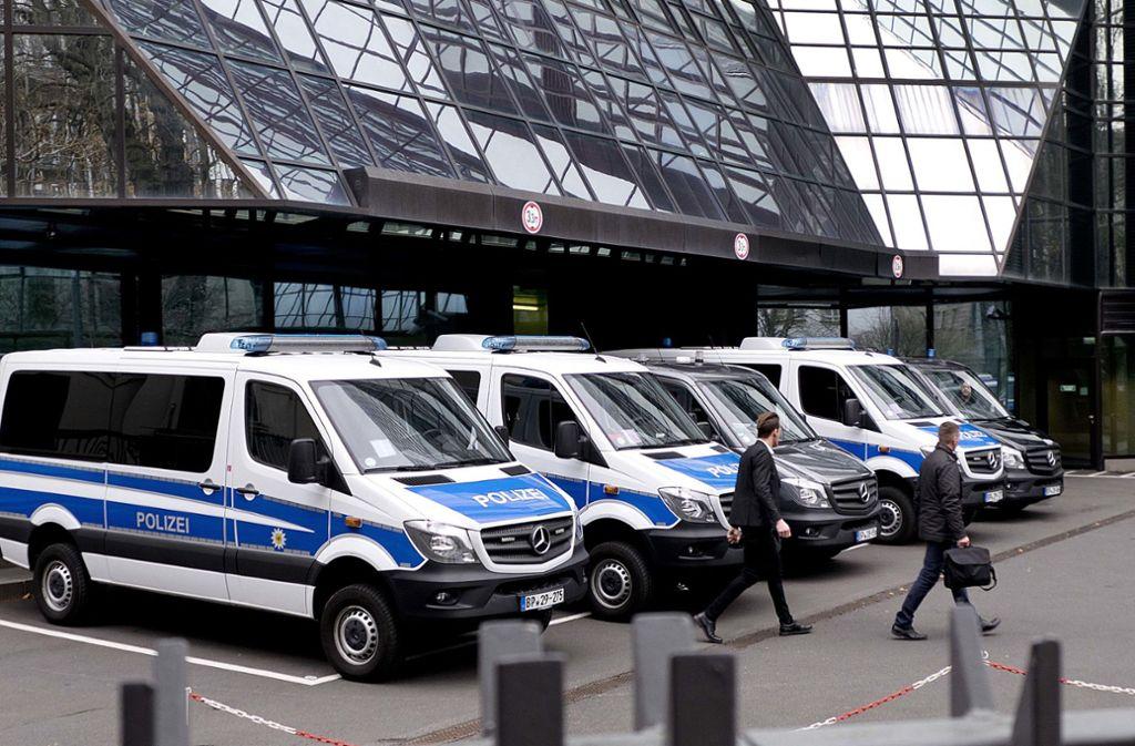 Razzia Bei Der Deutschen Bank Boser Verdacht Wirtschaft Stuttgarter Zeitung