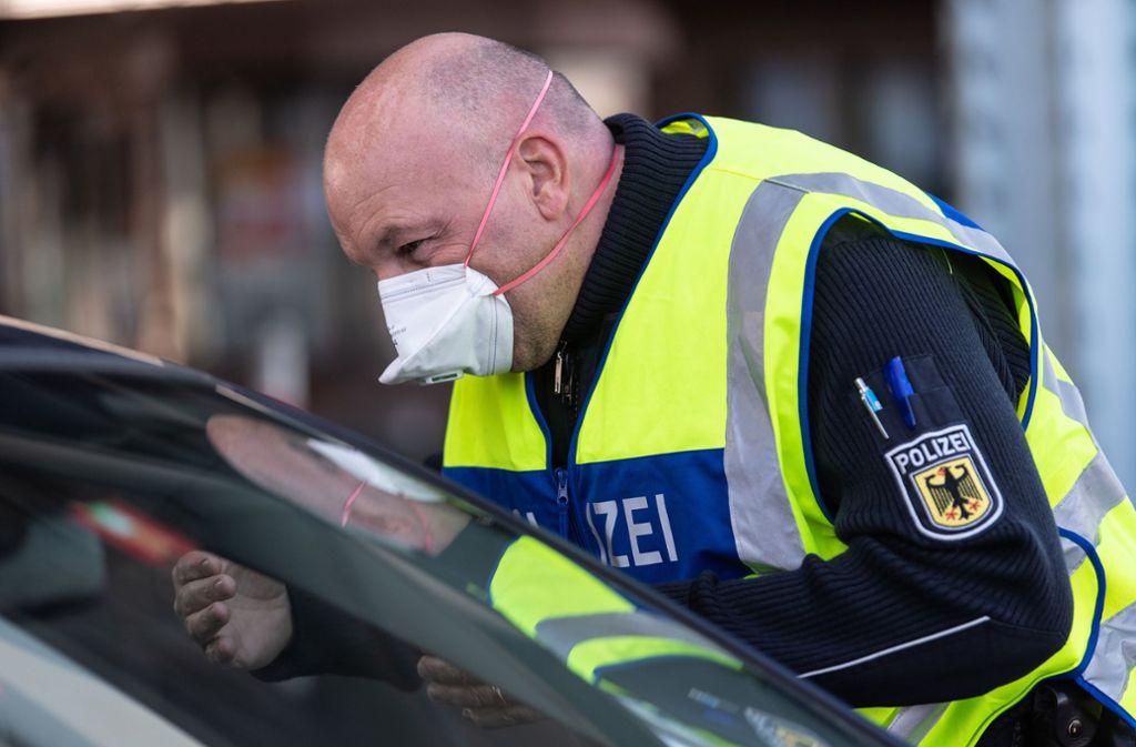 Coronavirus in Baden-Württemberg: Newsblog: Polizei stoppt Einkaufstouristen an Grenze