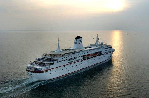 Viele Deutsche sehnen sich nach einer Fahrt auf der MS Deutschland. Foto: dpa